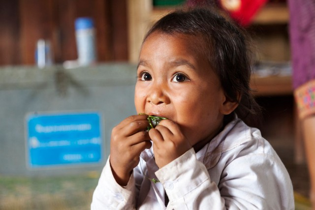 07-16-wf-laos-child-eat